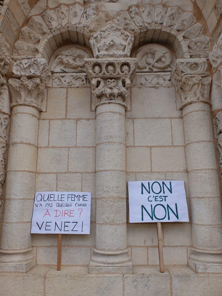 Photos et une vidéo du rassemblement à Poitiers contre les violences faites aux femmes
